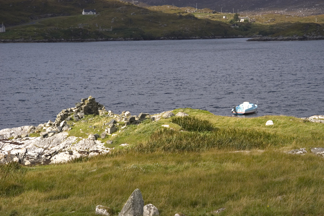 Ruined house on shore of Loch Stocinis