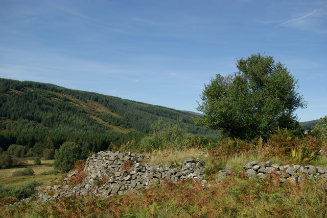 Ruined wall at disused Drumruck Copper Mine