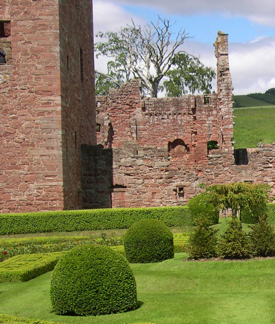 Ruins of Edzell Castle from within the garden
