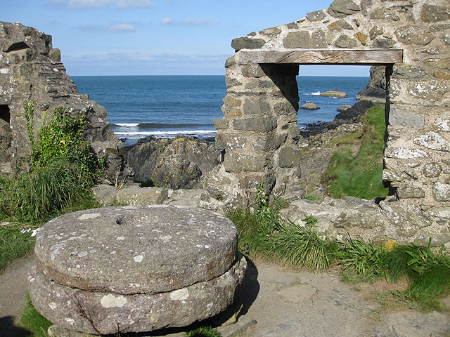 The ruins of Trefin Mill, Aber Draw