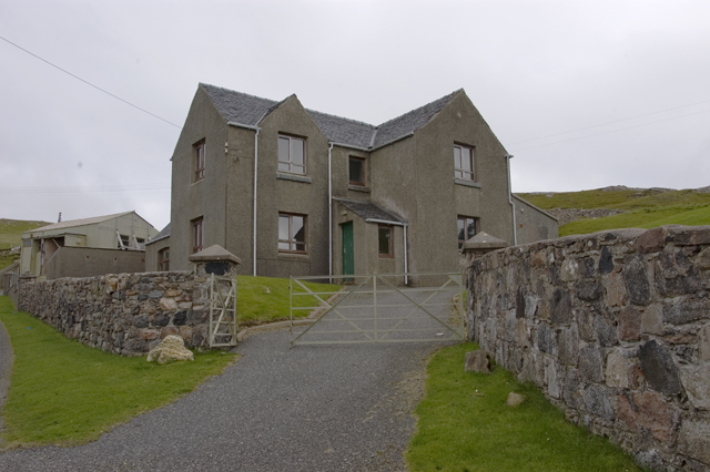 Disused house above Camas na Clibhe