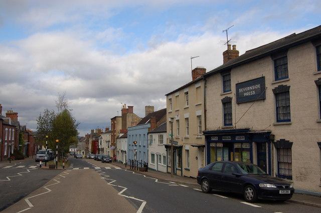 A48 passing through Newnham-on-Severn