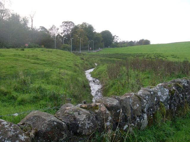Burn beneath Craigton path