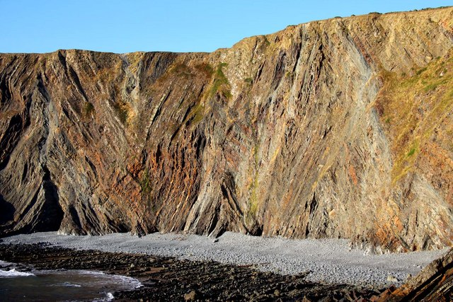 Coloured strata on the cliffs on Warren Beach