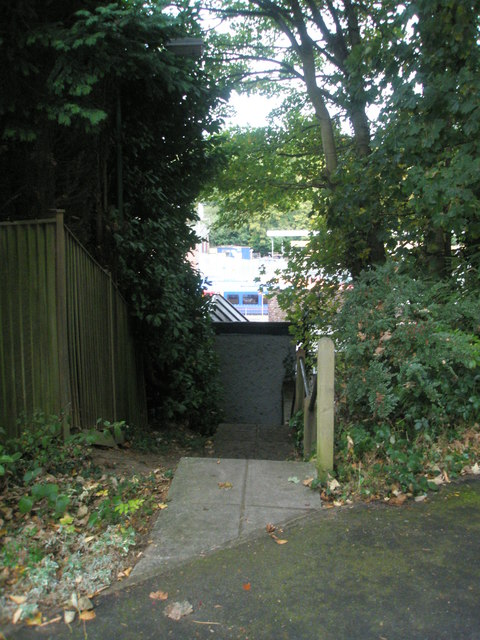 Steps from Hill Court to Lower Street