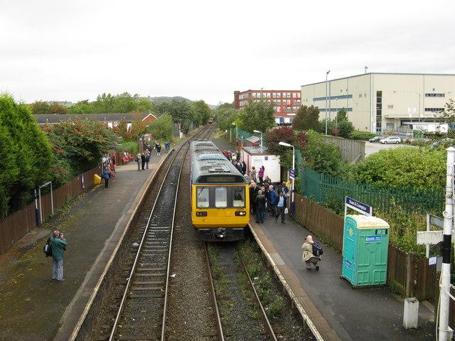 Shaw & Crompton station