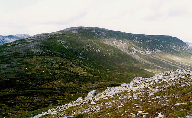 View north towards Geal Charn