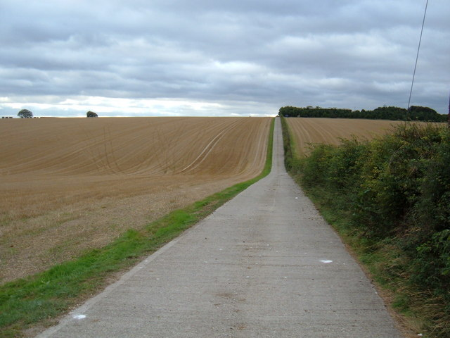Track to  Wold Dyke Farm