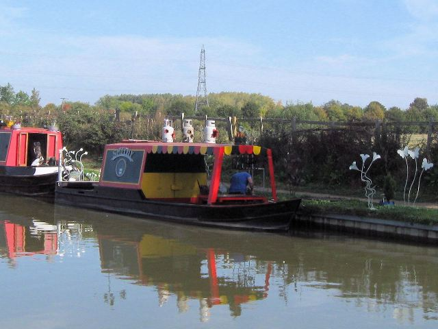 The Mobile Smithy on the Grand Union Canal