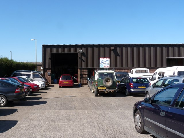 Robins Garages, Unit 6E Mullacott Industrial Estate