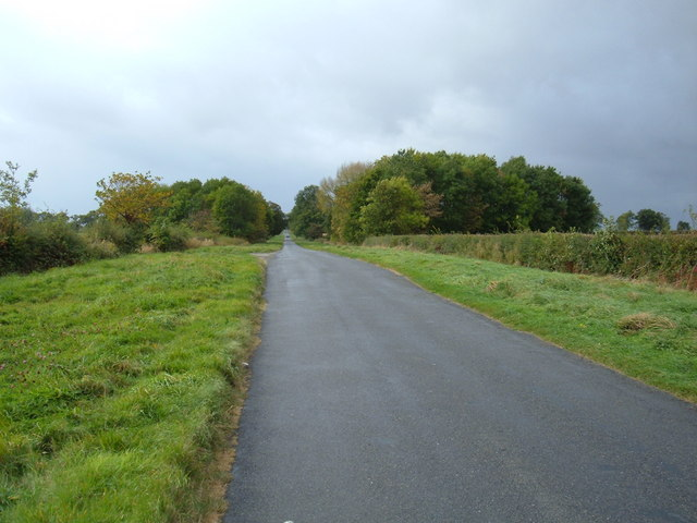 Minor Road Towards Holme-on-the-Wolds