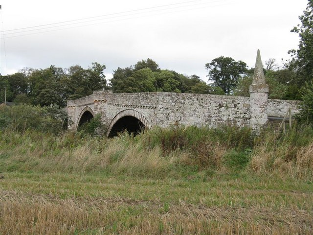 The old Ancrum Bridge
