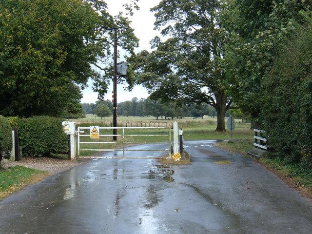 Gated Road, Dalton Park