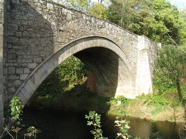 Single arched bridge over the Ale Water