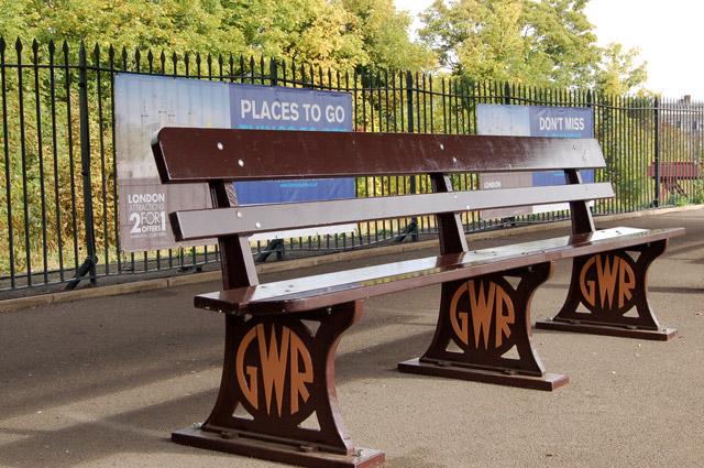 GWR seat at Leamington Spa railway station