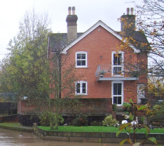 House at the junction of two branches of the River Medway, Tonbridge