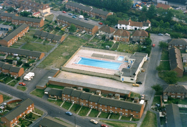 Devizes open-air swimming pool