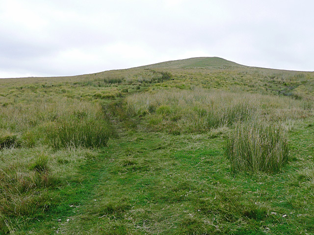 Track climbing Drum Nantygorlan, Powys