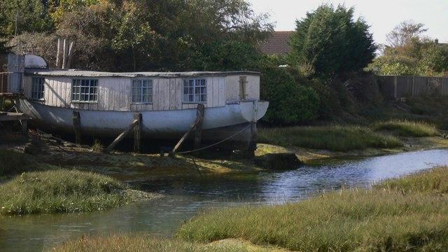 Houseboat in Fishery Creek