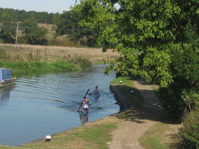 Passing Lock No 28 –  Two Kayaks (1) - Approaching the bottom gates