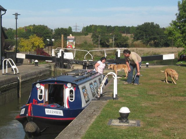 Passing Lock No 28 –  Narrowboat Ellesmere (4) – the dogs have a run