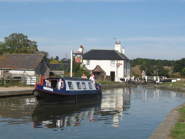 Passing Lock No 28 –  Ellesmere (5) - Heading off south