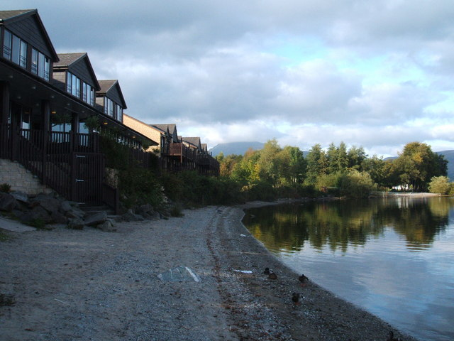 Lodge by the Loch