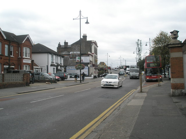 Bus pulling in at the Methodist Centre in South Road