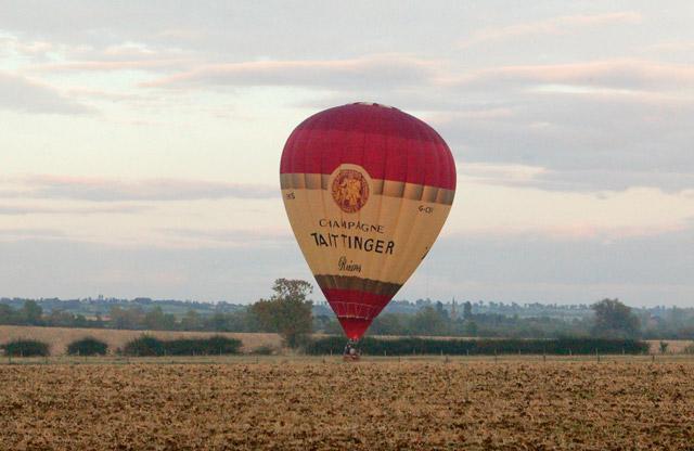 Balloon landing (1)