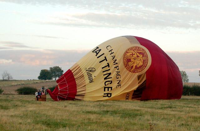 Balloon landing (3)
