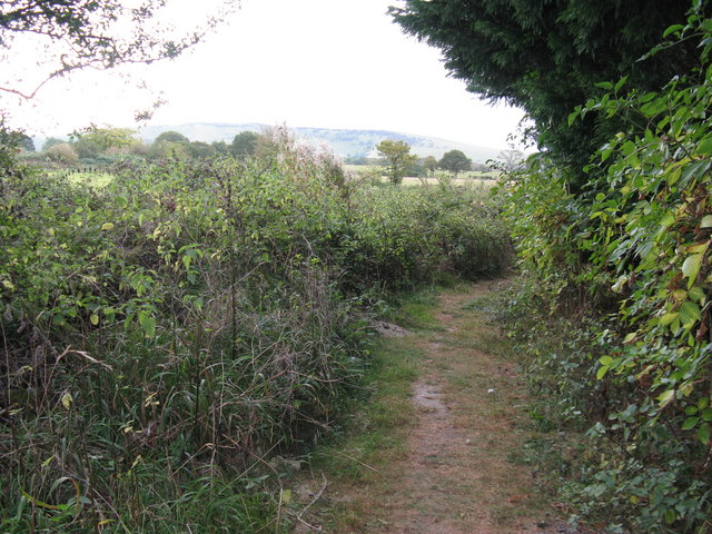 Footpath alongside Little Oreham Farm