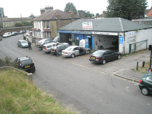 Garage in The Crescent