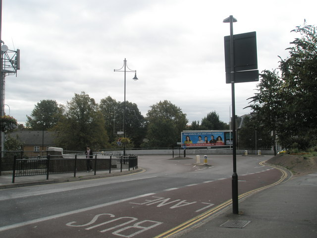 Approaching the Bridge Road Roundabout