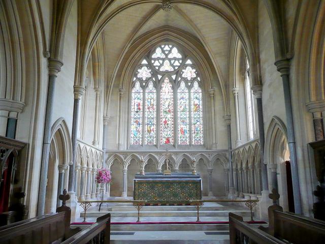 St. Andrew's church, Toddington - chancel