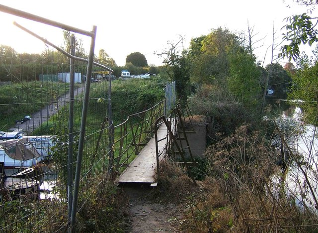 Footbridge across the river access to Northwick Marina, Worcester
