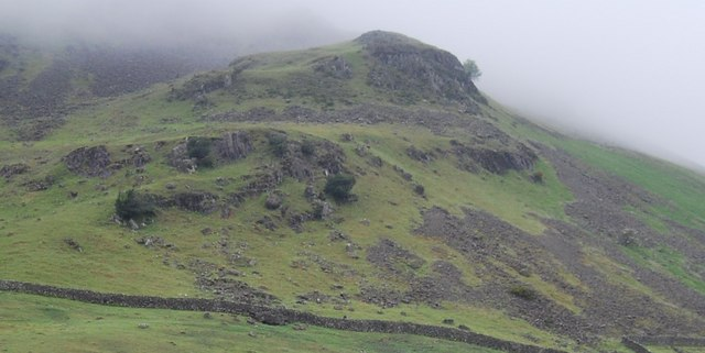 Crags on the slopes of Yewbarrow
