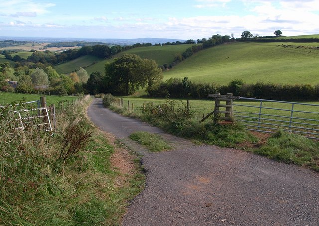 Road to Pyncombe Farm