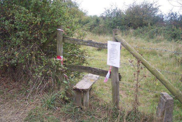 Stile beside Crab and Winkle Way cyclepath