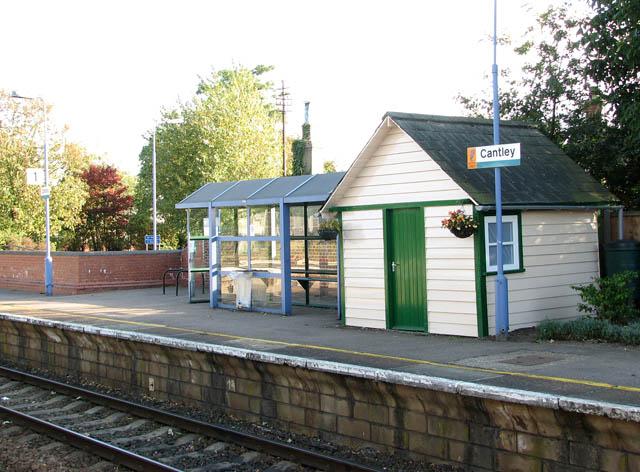 Cantley station - waiting shelter on platform 1