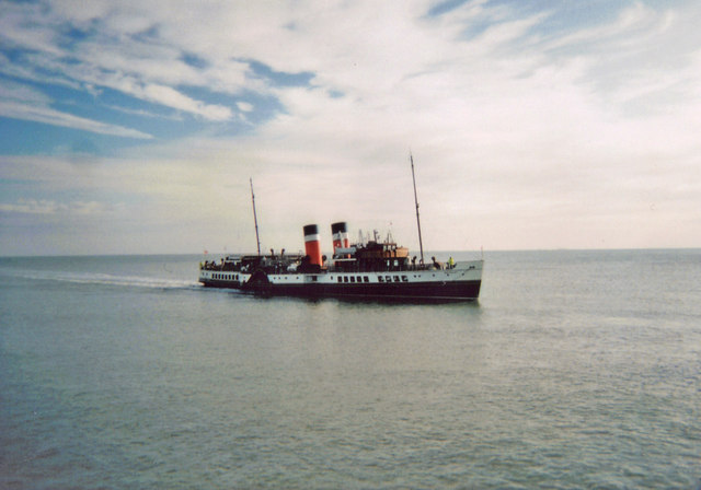 P.S Waverley arriving at Southwold Pier