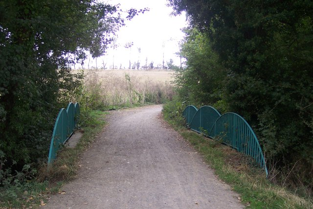 Crab and Winkle Way Cyclepath over Fishbourne / Sarre Penne River
