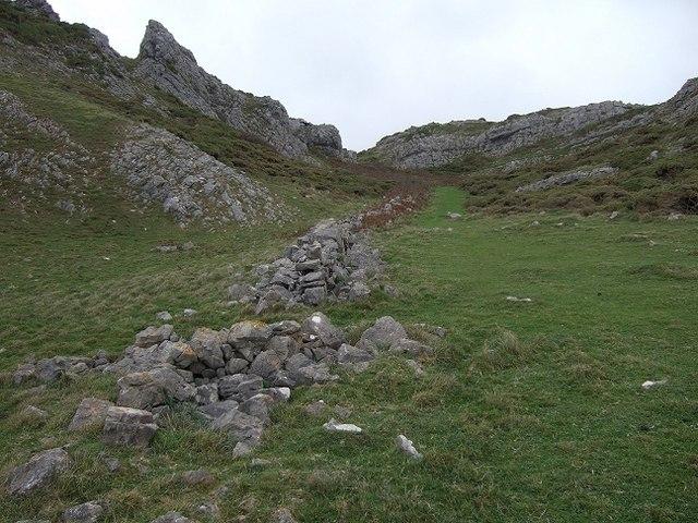 Linking Path, Near Common Cliff