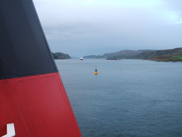 Buoy and incoming ferry, from outgoing ferry