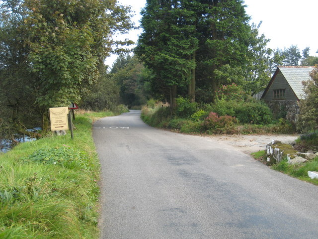 Minor road at Higher Harrowbridge