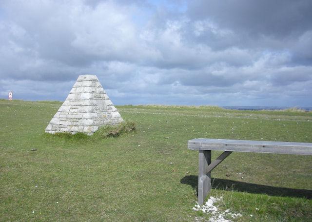 Obelisk and Seat, Bindon Hill