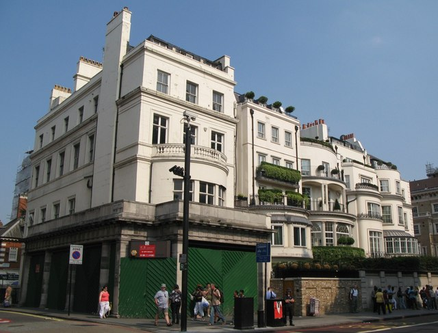 Buildings at the north end of Park Lane, W1