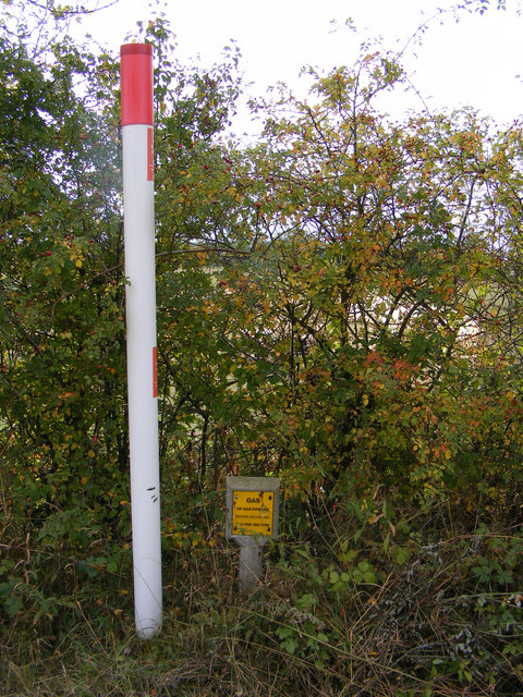 Gas pipeline marker on Reepham Road