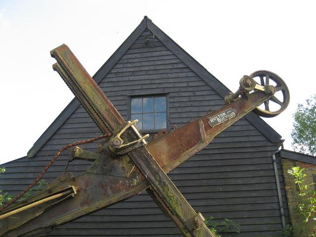 Rust against wood