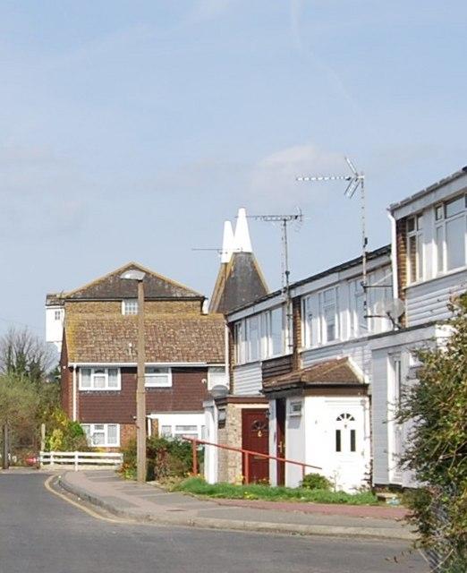Oast house at the end of Granary Close, Rainham