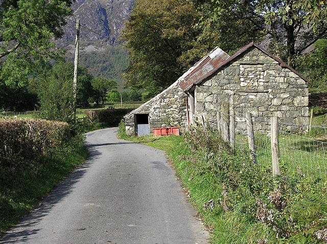 Roadside barn in Cwm Cywarch